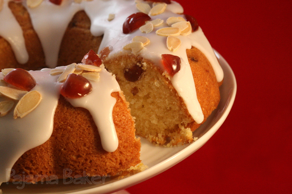 Cherry Cake | pajamabaker.com
